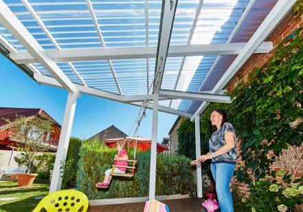 Terrassendach mit Wellplatten Polycarbonat Wabe klar